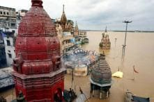 UP: Flood Forces People to Wait for Hours to Cremate Loved Ones