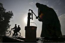 Indian Businessman Installs Hand Pumps in Pakistan's Poverty-stricken District