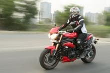 Triumph Speed Triple Review : The Naked Monster Madness