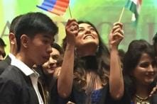Sushmita Sen 'Reciprocates The Love' With Kind Words During Miss Universe 2016