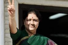 Sasikala Unlikely to be Sworn-in Today; Guv Goes in for Legal Opinion