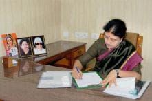 Why Sasikala's Elevation as Tamil Nadu CM is a Risky Move