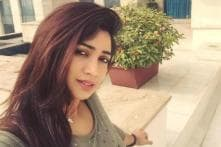 Shreya Ghoshal to Shilpa Shetty: Celebrities Prefer Comfort Over Style While Travelling?