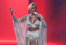 Mary J. Blige Gets Divorced.