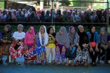 Christians Borrowing Hijabs to Flee IS-held Philippines Town