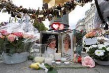Britons Gather at Dawn to Remember Diana 20 Years After Her Death