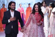 LFW 2017: Shraddha Kapoor Looks Gorgeous As She Turns Showstopper For Designer Rahul Mishra