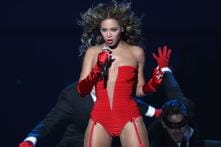 Beyonce Rescued by Ladder After Stage Malfunction During Concert