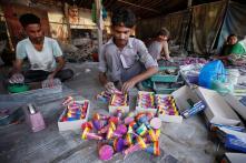 Maharashtra Environment Minister Seeks Ban on Sale of Firecrackers