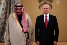 Saudi King, Valdimir Putin Eye Energy, Arms Deals on Landmark Russia Visit