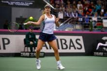 Fed Cup: Vandeweghe Keeps Cool Against Sasnovich to Give US 1-0 Lead