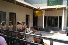 Jaya TV Office, Sasikala Aides Raided by I-T Dept, Dinakaran Cries Foul