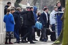 Expelled American Diplomats Leave US Embassy in Moscow