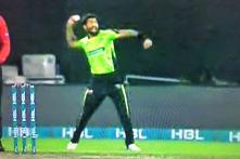 PSL 2018: Angry Bowler Throws Ball at Teammate for Not Paying Attention