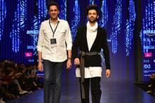 Kartik Aaryan Turns Heads in a Pawan Sachdeva Ensemble at AIFW AW '18; See Pics