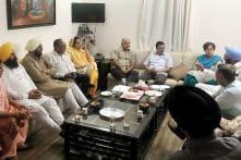 Kejriwal, Sisodia Meet 10 Dissenting Punjab AAP MLAs Over Majithia Apology Row