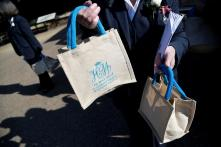 Royal Wedding Guests Cash in On Official Goody Bag, Bid Reaches 50,000 Pounds