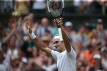 Roger Federer Saunters Into 16th Quarter-final at Wimbledon