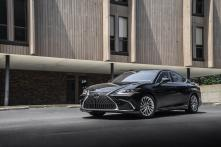 New Lexus ES 300h Sedan Launched in India for Rs 59.13 Lakh