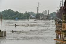 Old Yamuna Bridge Closed to Traffic as Water Level Rises, Govt Sets Up Control Room