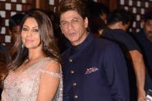 This Selfie of Shah Rukh And Gauri Khan is Breaking the Internet