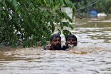 Kerala Floods: SRK, Akshay, Amitabh Lead the Way as Bollywood Chips in With Donations