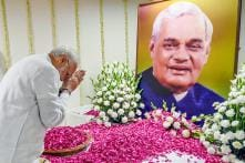 Atal Bihari Vajpayee's Prayer Meet: Politicians Pay Tributes