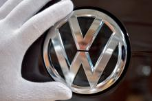 Volkswagen to Halt Operations in Iran: Bloomberg