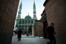 Massive Sit-In Protests by Hui Muslims Forces China to Defer Mosque Demolition