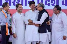 Rajasthan Cong Projects United Face; Sachin Pilot, Ashok Gehlot Hug Each Other on Stage Before Rahul Gandhi