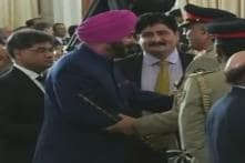 Navjot Singh Sidhu's Hug to Pakistan Army Chief Gets Him a Sedition Case in Bihar