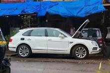 Bentley Bentayga SUV Worth Rs 4.45 Crore Goes to Roadside Garage for Repair in Mumbai