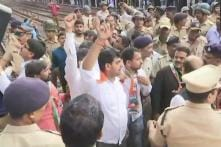 Bharat Bandh in Maharashtra: Congress Stages Rail Roko, MNS Workers Vandalise Buses
