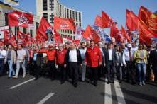 Thousands Rally Across Russia Against Raising Pension Age by Five Years