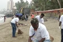 Mumbai Getting Cleaned By Students After Immersion Of Ganesh Idiol