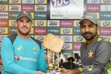 'Biscuit' Trophy for T20 Series Between Pakistan and Australia Has Twitter in Splits