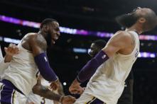 LeBron James' Dunk Lifts Lakers to 107-106 Win Over Hawks