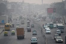 Delhi's Pollution Level Dips Slightly But Still in 'Very Poor' Category