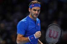 Federer Cruises Past Anderson to Reach Last Four at ATP Finals