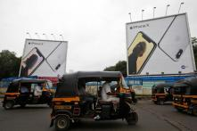 Is Apple Losing Its Grip on The Indian Market? Analysts Seem to Think so