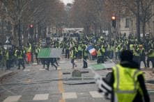 French Yellow Vests, Spanish Catalans Join to Block Borders Near Catalan Region Ahead of Christmas