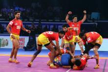 PKL: Confident Gujarat Fortune Giants Take on Gritty Bengaluru Bulls in the Final