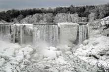 PICS: Frozen Niagara Falls Creates a Stunning Wintry Landscape