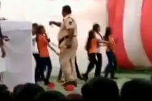 Nagpur Cop Showers Money on Schoolgirls at R-Day Event, Suspended After Video Goes Viral