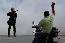 Condemnation of Venezuela's Maduro Grows After Troops Block Aid, 2 Protestors Killed
