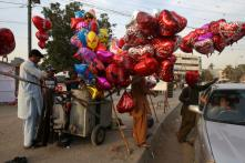 Pakistan University to Celebrate Sisters' Day on Valentine's Day to Promote 'Islamic Traditions'