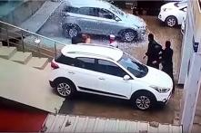 Hyundai Elite i20 Test Drive at Dealership Goes Horribly Wrong – Watch Video