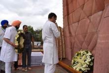 Akalis, Congress Indulge in War of Words Over Rahul Gandhi's Visit to Golden Temple