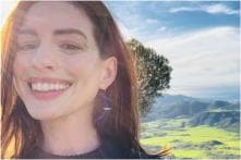 Anne Hathaway Says that Giving Up Drinking is Not a Moralistic Stance