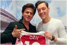 Shah Rukh Khan Meets Mesut Özil and Thanks the German Footballer for Hospitality